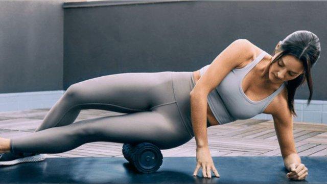 Kā izmantot vibrējošo masāžas rulli rekreācijai?