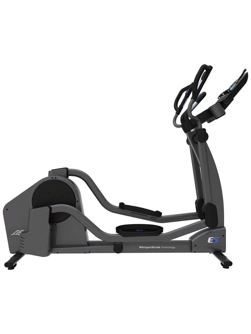E5 Cross-Trainer eliptiskais trenažieris ar Track Connect konsoli